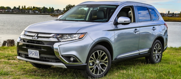 mitsubishi outlander 2017 le vus compact poursuit son volution guide auto. Black Bedroom Furniture Sets. Home Design Ideas